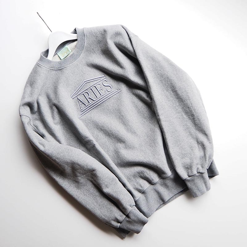 Embroidered Temple Sweat クルーネックスウェット