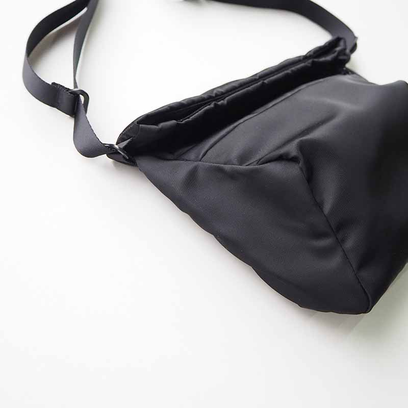 LEAF LINE spring shoulder No.1 ナイロンショルダーバッグ (small) ブラック