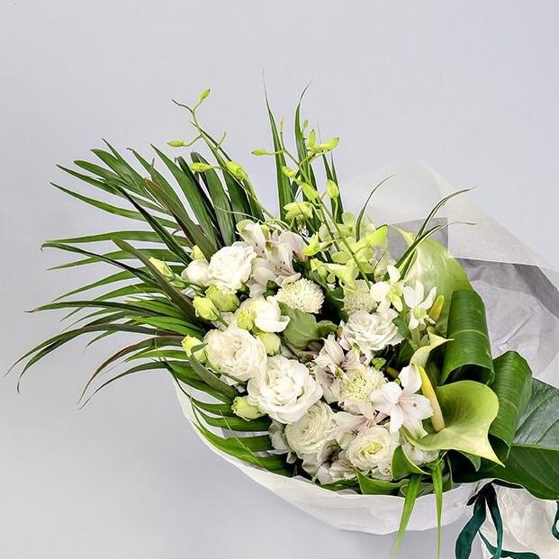 花束 Mサイズ(ホワイト・グリーン系)