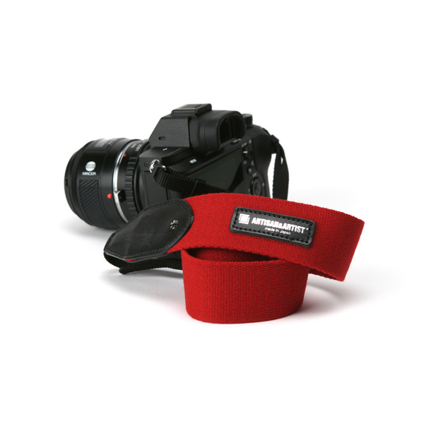 アルティザン・アンド・アーティスト ARTISAN&ARTIST ACAM-112A RED スタッズ付きカメラストラップ ワイド レッド