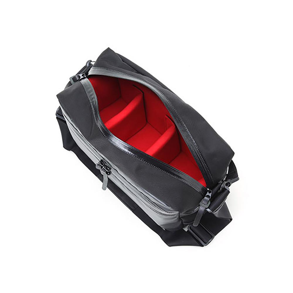 ARTISAN&ARTIST アルティザン&アーティスト レンズ付一眼+換えレンズ1本を収納するスポーティなカメラバッグ ブラック WCAM-3500N