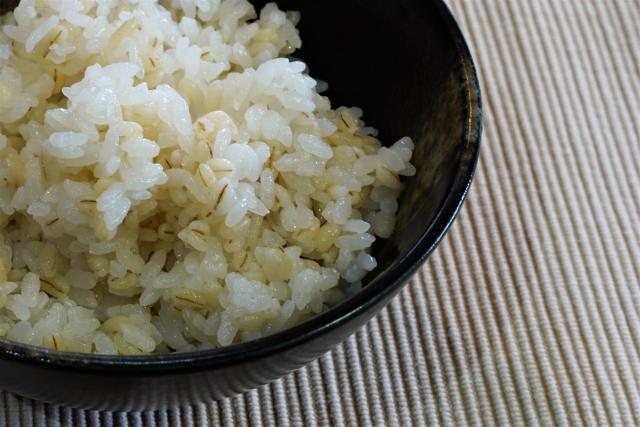 【送料無料】話題の食品!もち麦(旭川産)3袋セット