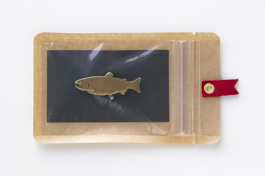 真鍮ブローチ 鮭