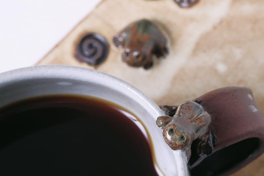カエルのコーヒーカップとソーサー