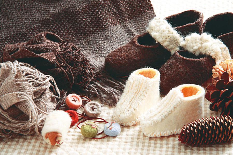 手織りのルームシューズ