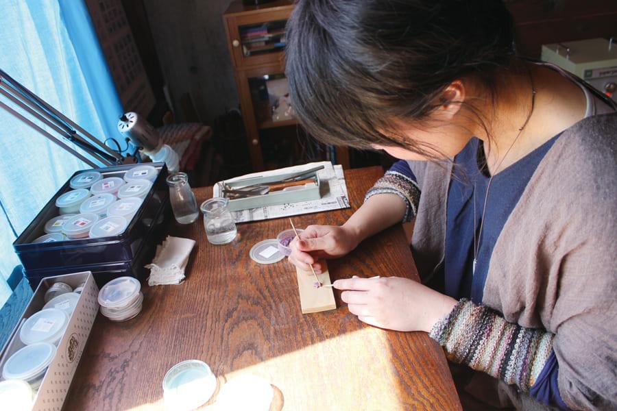 七宝焼きブローチ サイロ