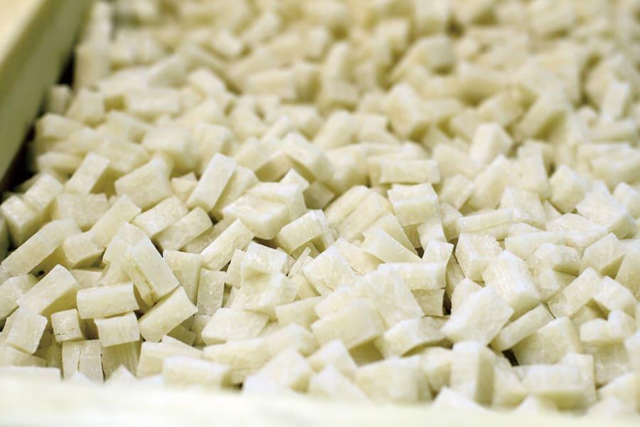 北海道米菓フーズのおかき(小)と(大)各4袋セット