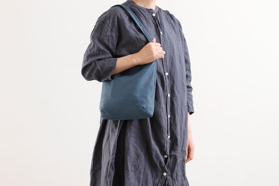 羊の革のトートバッグ