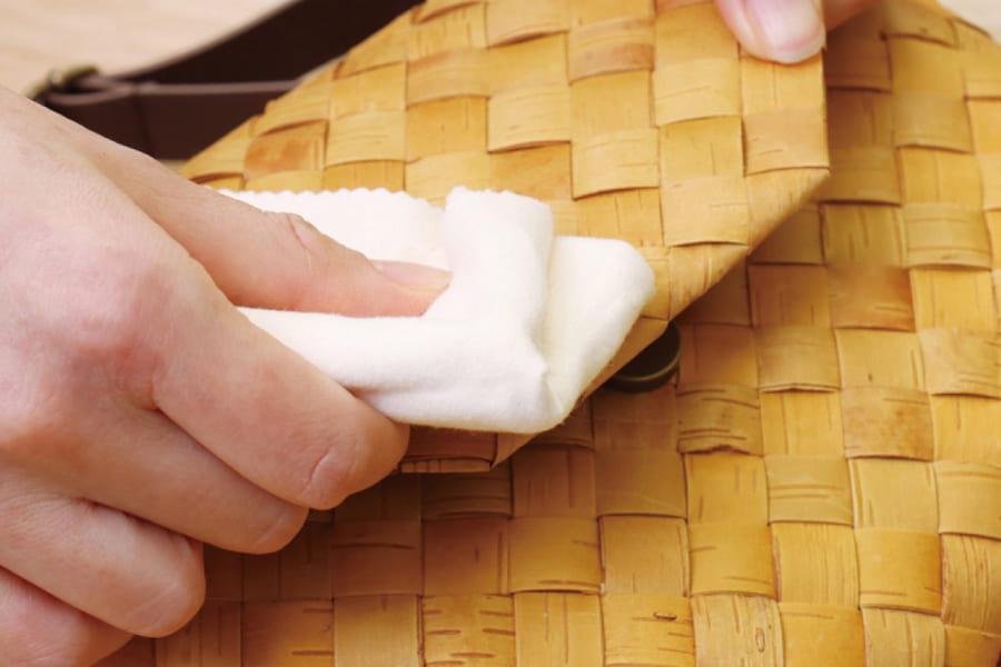 白樺樹皮のショルダーバッグ