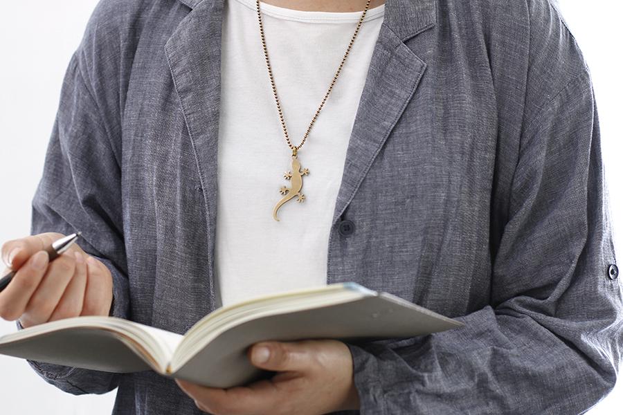 真鍮ネックレス(ロングチェーン)やもり