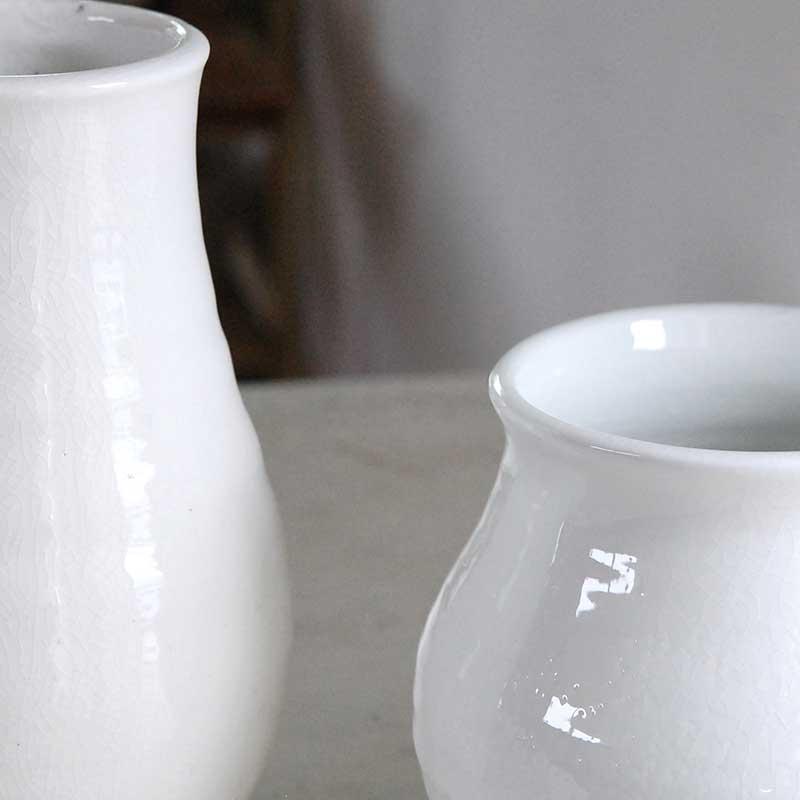 鉢・花器 / 白い壺