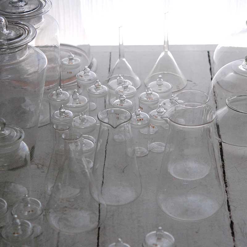 glass / 秤量瓶