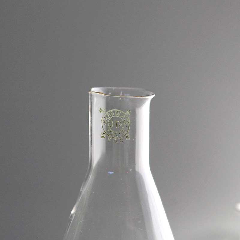 glass / 三角フラスコ