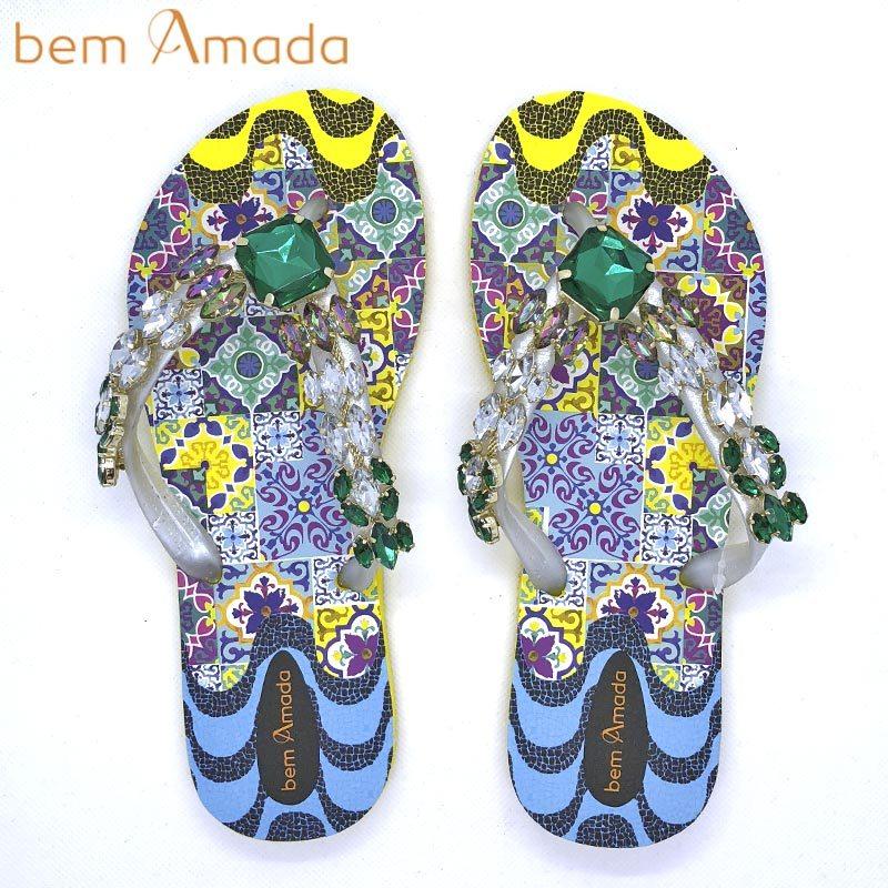 ■50%OFF■【bem Amada】ビジュー付きビーチサンダル 【タイル柄】|イエロー