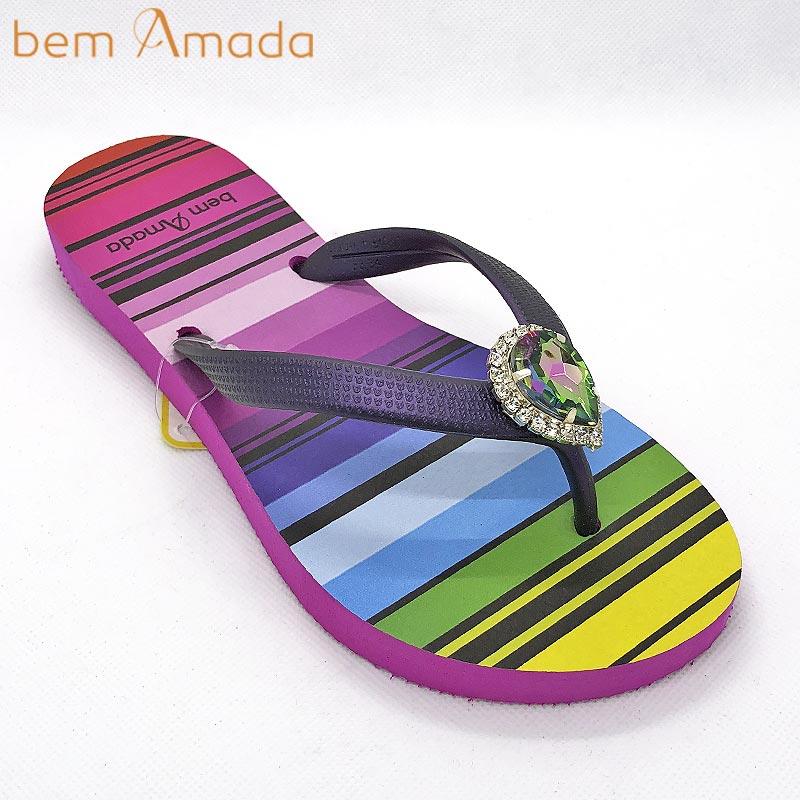 ■50%OFF■【bem Amada】ビジュー付きビーチサンダル 【レインボー】|ピンク