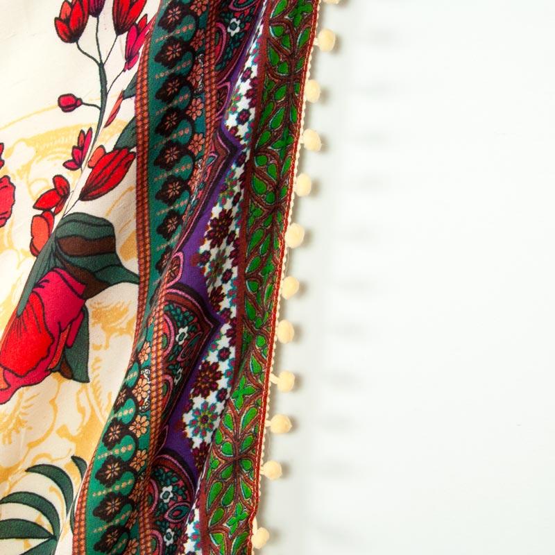 ジプシー花柄 BOHOボヘミアン【ポンポン付き ブラジルカンガ】大判クロス アイボリー