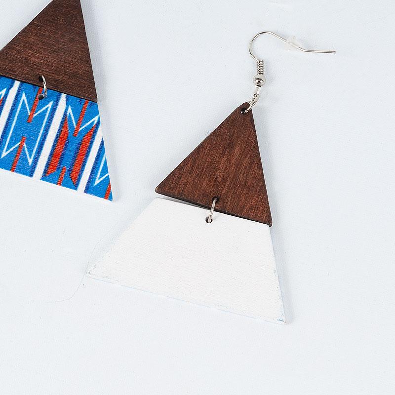 ピラミッド型 ブラジリアンウッドピアス