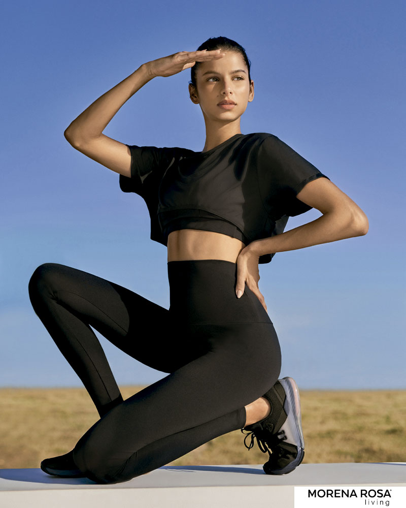 【Morena Rosa Living】クロップドラウンドカットTシャツ ブラック ヨガ&トレーニングウェア