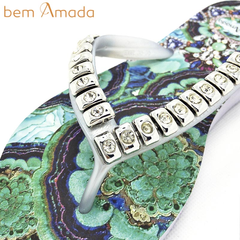 ■50%OFF■【bem Amada】ビジュー付きビーチサンダル 【トルマリン】|ホワイト