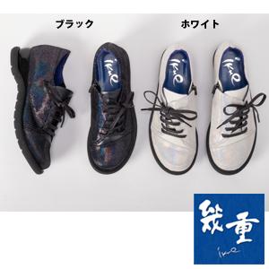 幾重【ikue】 4E レースアップスニーカー i8823