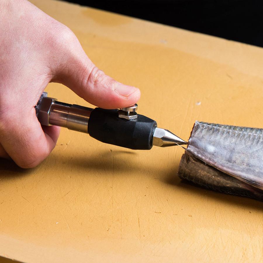津本式道具 津本式ノヅル 1個 ノヅルサイズφ1.1<br>※この商品はノズルの先端部分のみになりますので、ご注意下さい。<br>津本式 血抜き 雑誌 鮮魚