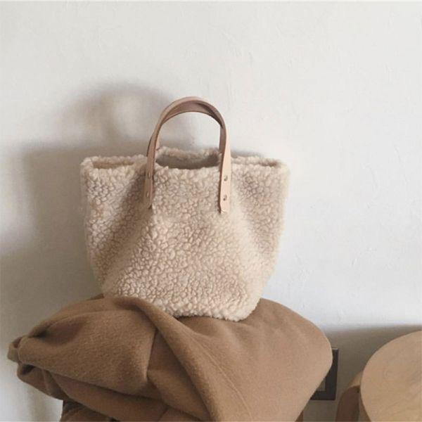 なんと新作冬バッグが45%OFF!!!!ラムズウールレディースハンドバッグ