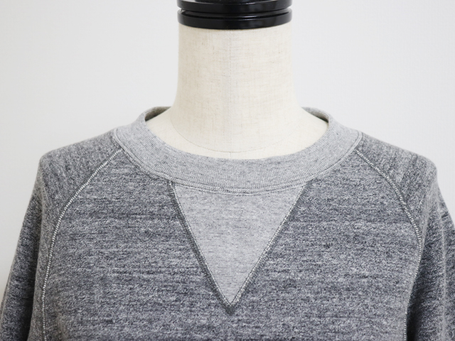yohaku ( 余白 ) 驚くほどの着心地の良さ 脇に縫い目がない吊り裏毛トレーナー