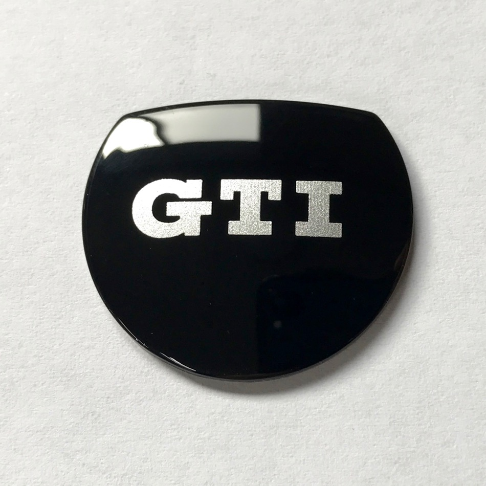 アウディS-tronicシフトノブ GTIロゴ入れ加工