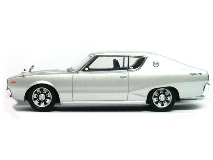 アオシマ ダイキャストミニカー 1/43 DISM KGC110 ケンメリ スカイラインHT 2000GT シルバーメタリック