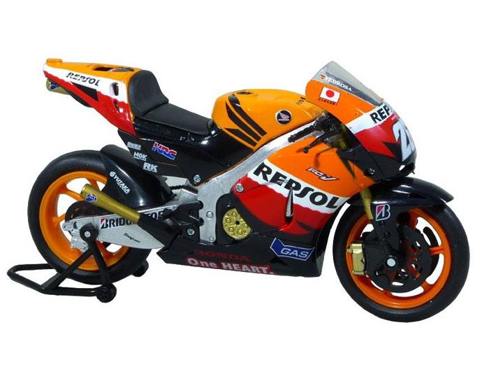 アオシマ プラモデル 1/12 完成品ダイキャストバイク 2011 Repsol Honda Team RC212V DANI PEDROSA No.26