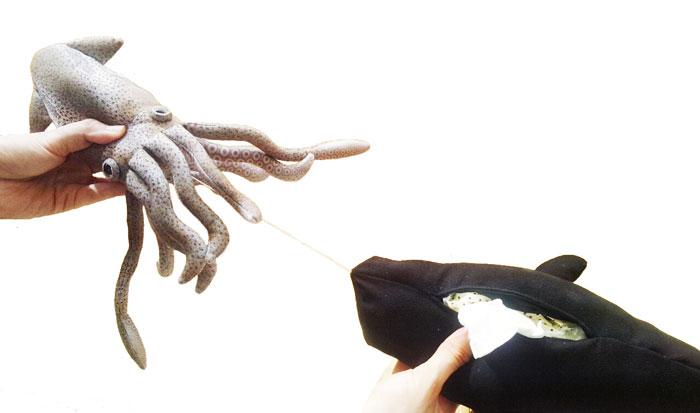 アドベンチャーシリーズ ダイオウイカVSマッコウクジラ ポケットティッシュケース