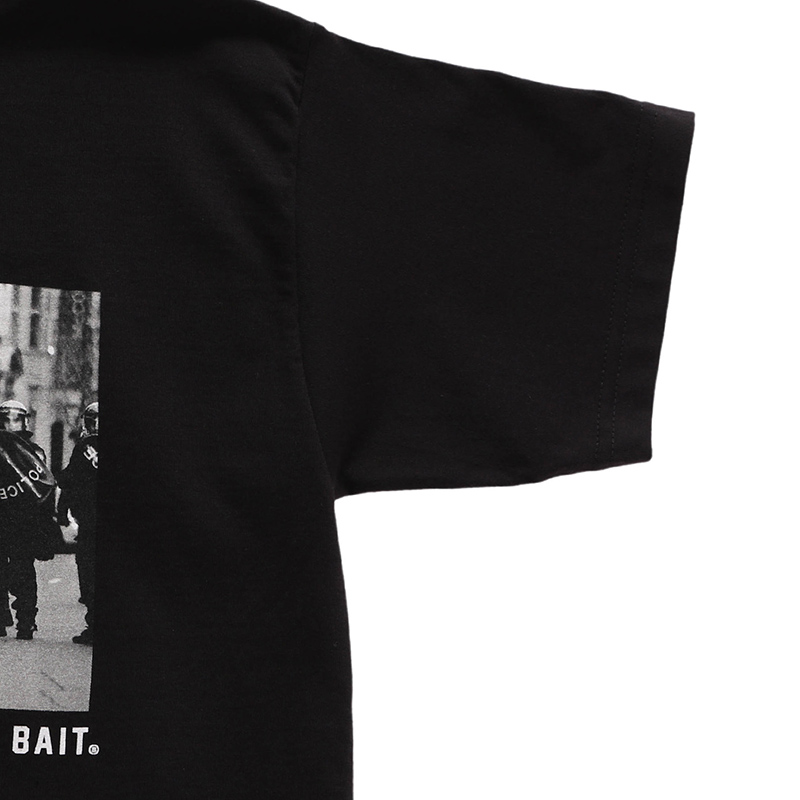 【SALE】BAIT STREET FIGHTER AKUMA RIOT SNAPSHOT TEE - 207-STF-TEE-001