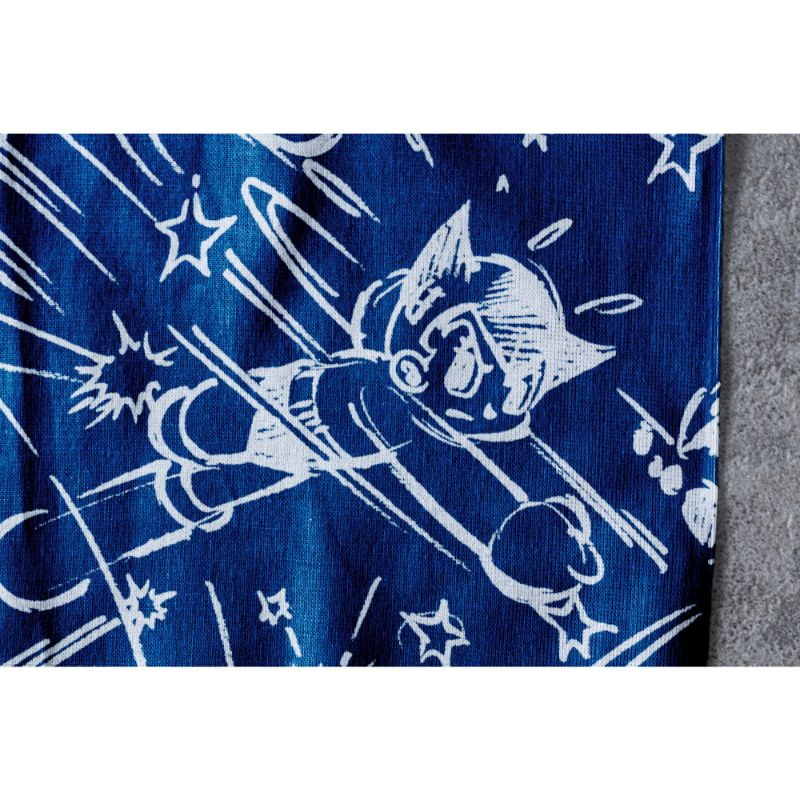 < BAIT ASTRO BOY TENUGUI Fight in sky > - 777-BAT-OTH-002