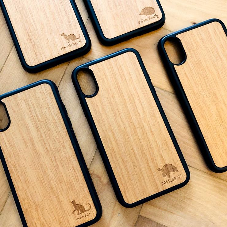 名入れ無料 木製 iphone ペットファミリー 送料無料 ウッド ケース iPhone 11ProMax iPhone XS Max iPhone XR iPhone8 木目 動物 犬 猫 爬虫類 case 名入れなし