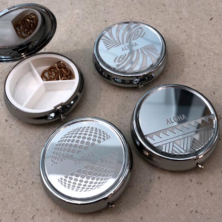 ピルケース パターン かわいい 携帯 ミラー オリジナル 文字入れ ロゴ 割れない鏡 アクリルミラー 名入れ無料 送料無料 文字入れ 彫刻 プレゼント