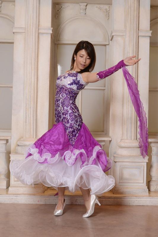 ティアードフリルのパープル&ホワイト(紫と白)ビジュードレス