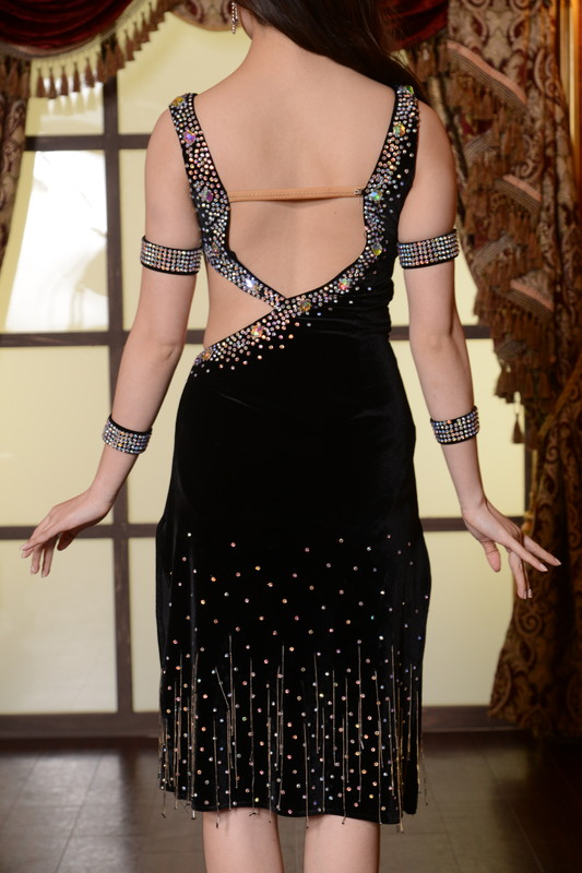 Vネック+ウエストカットラインのスレンダーブラック(黒)スリットドレス