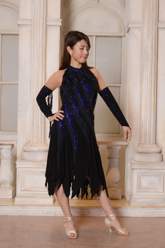 ホルターネック風ネイビー&ブラック(濃紺と黒)フリンジドレス