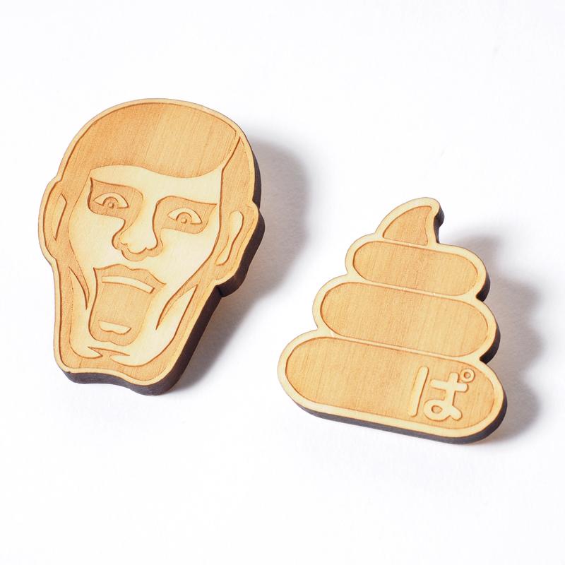 木製バッチ / うんこ