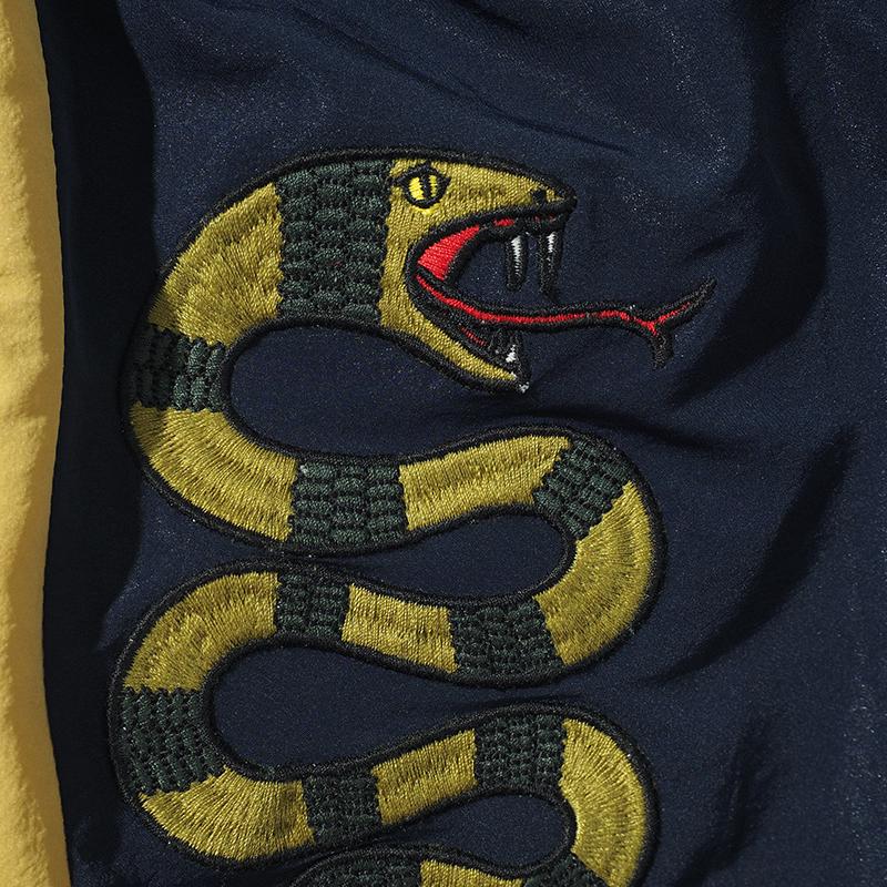 アノラック蛇パンツ