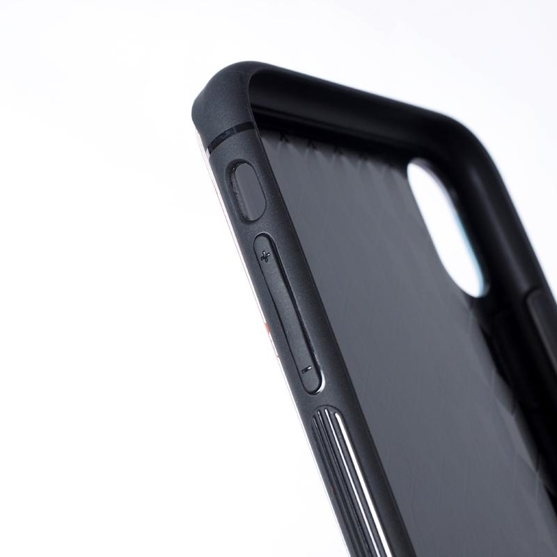 【受注】TEMPERED GLASS iPhone CASE / あいつピエロ