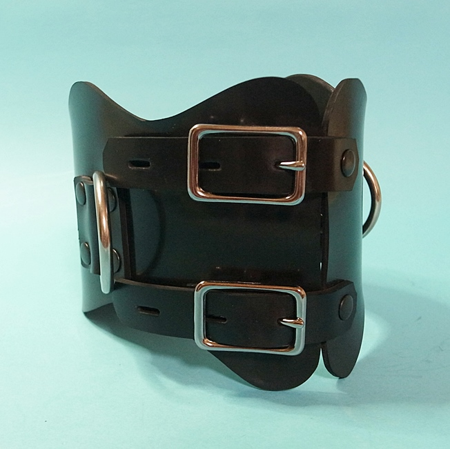 【Bizarre-Rubber-Shop】Anatomical Collar with 3 D-Rings[Black][L]