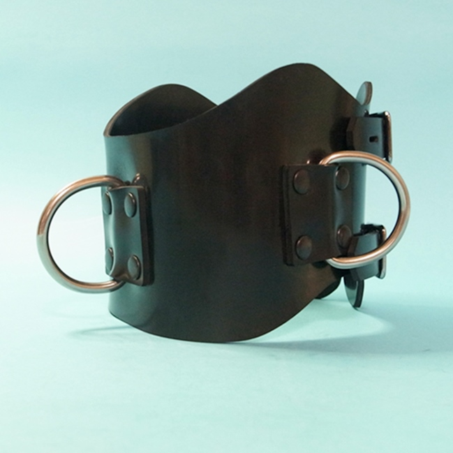 【Bizarre-Rubber-Shop】Anatomical Collar with 3 D-Rings[Black]