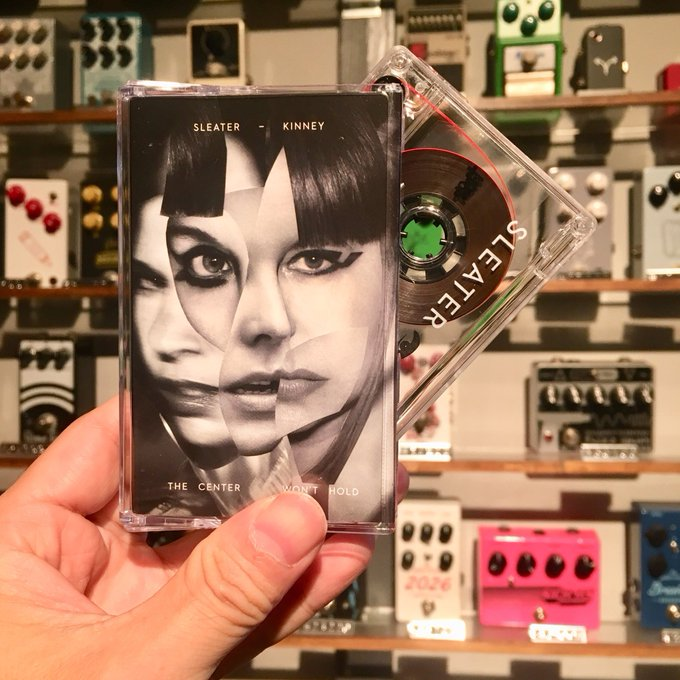 SLEATER-KINNEY / The Center Won't Hold  CASSETTE