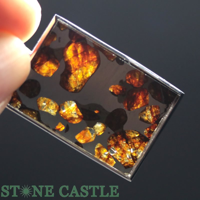 ☆高品質☆【ペンダント】ロシア産 パラサイト セイムチャン隕石 スクエア型 タイプ2