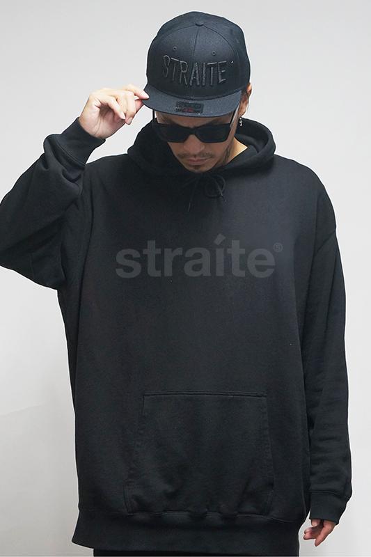 【予約制】スモールレターネームプルパーカー(ブラックxブラック) [STRAITE]
