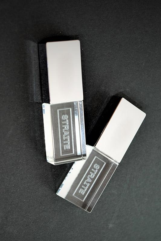 LEDクリスタルネーム USB 32GB [STRAITE]