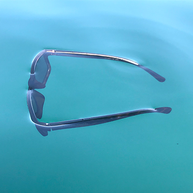 Floating Sunglass(フローティングサングラス)