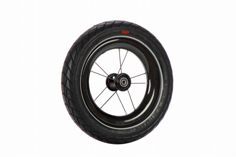 ST-R カーボンホイール&ゴムタイヤ 2本セット(10スポーク/スリムナットフラッシュアクスル付き)【12インチモデル用 ※ST-R、14x非対応】