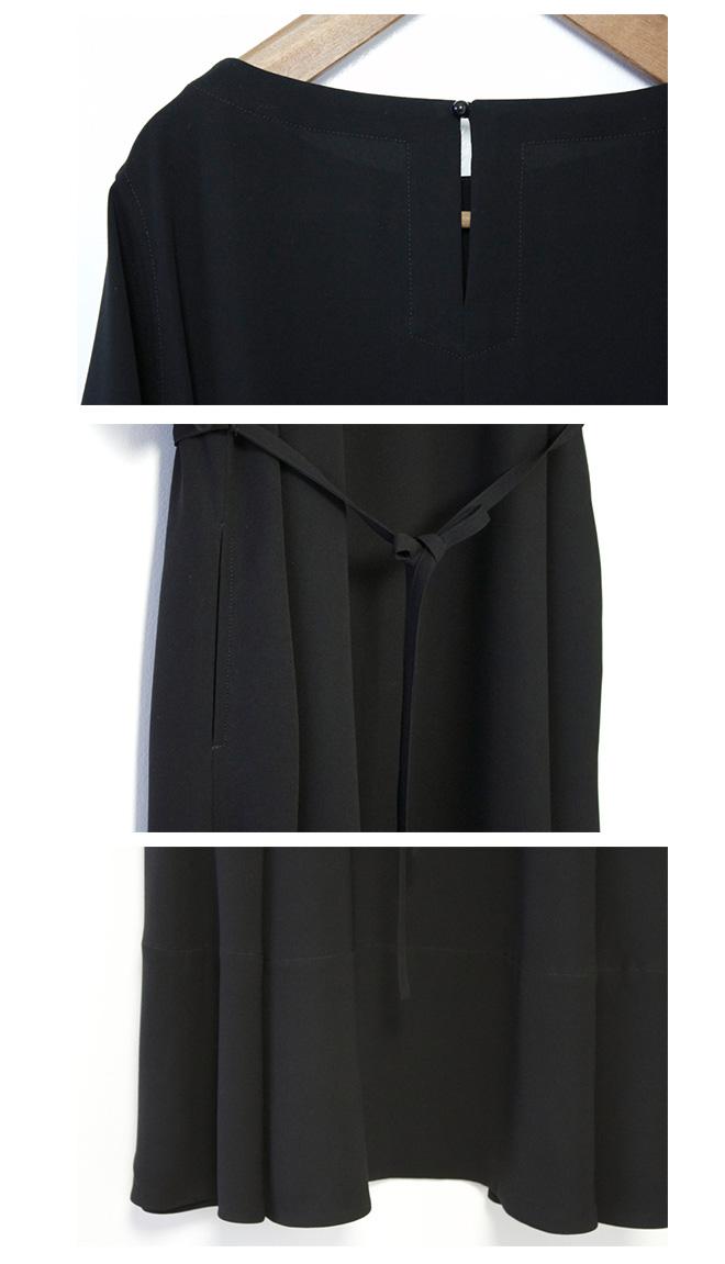 ゆったりシルエット【サイズ 2】 Gling Glo: フォーマルブラック生地使用 ボートネックAラインワンピース [Boat neck A line one-piece dress. size 2]